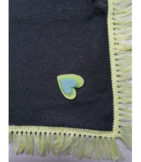 Tapis pour chien ou chiot Tapis chien gris foncé et coeur jaune 82X55 cm Chez Anilou 12,00€
