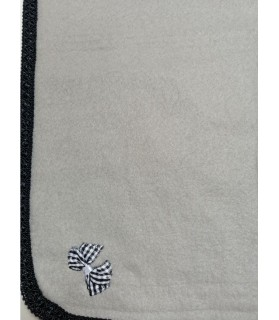 Tapis pour chien ou chiot Tapis chien anthracite molletonné liseré noir 73x60 cm Chez Anilou 12,00€