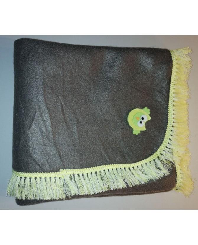 Tapis pour chien ou chiot Tapis chien doublé et molletonné marron liseré jaune 79x65 cm Chez Anilou 12,00€