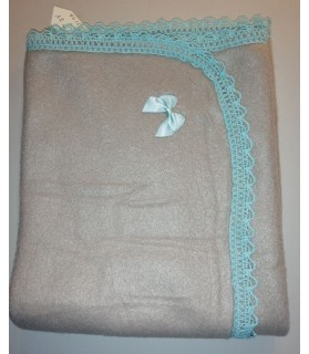 Tapis pour chien ou chiot Tapis chien doublé beige molletonné liséré bleu clair 74x 65cm Chez Anilou 12,00€