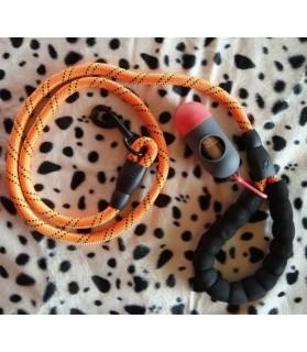 Laisses de promenade chien ou chiot Laisse ronde orange avec sac à crotte  14,00€